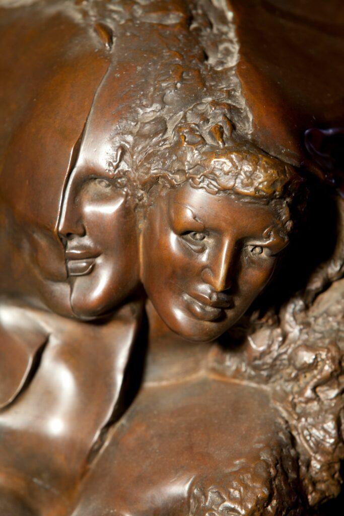 Ipoustéguy, Petite Louise Labé, bronze, 1982