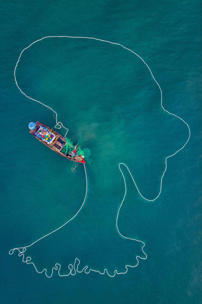 """1er prix """"Humains"""" (Vie quotidienne) : La dame de la mer"""