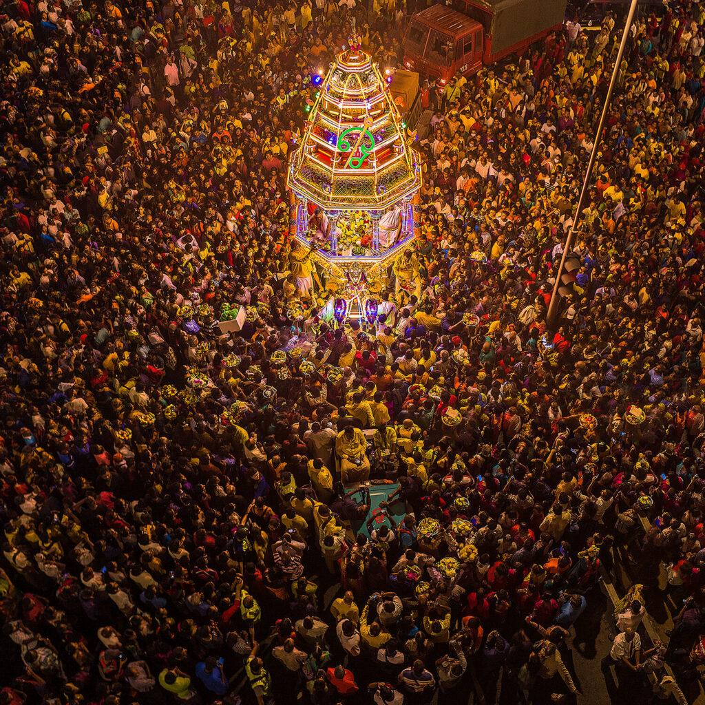 5ème prix Humains (Culture mondiale) : Procession de chars au festival de Thaipusam