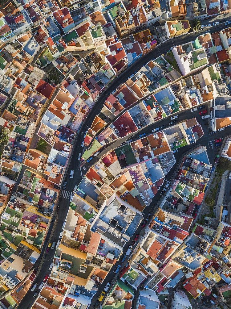 """1er prix """"Main de l'homme"""" (Paysage urbain) : Arc-en-ciel espagnol"""