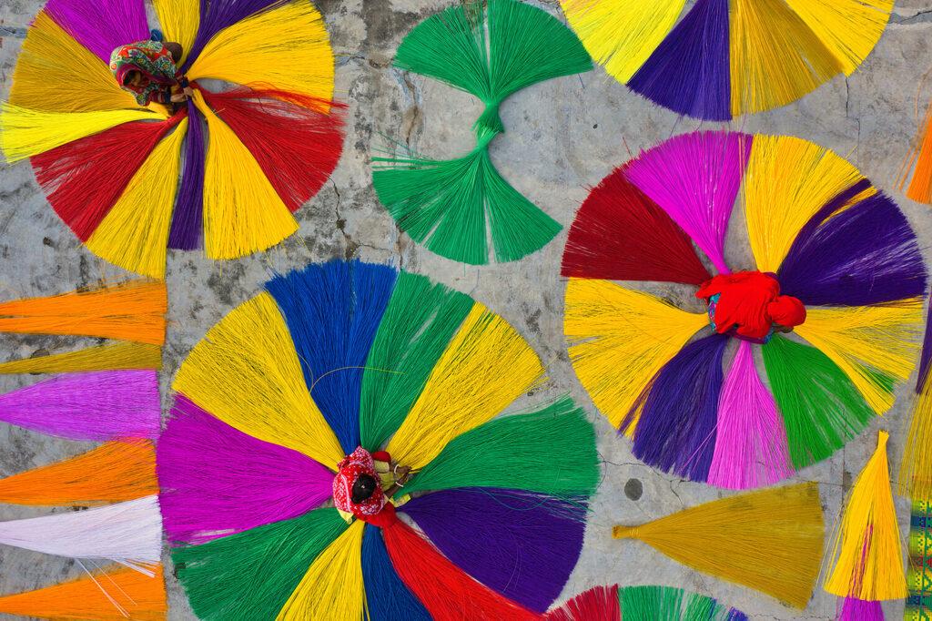 Mention spéciale : Fabrication de nattes colorées