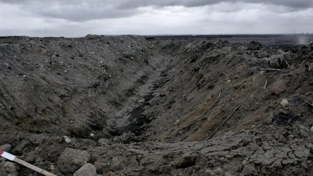 Le Serpent Noir#2 (North Gate Oil Sands, Alberta)