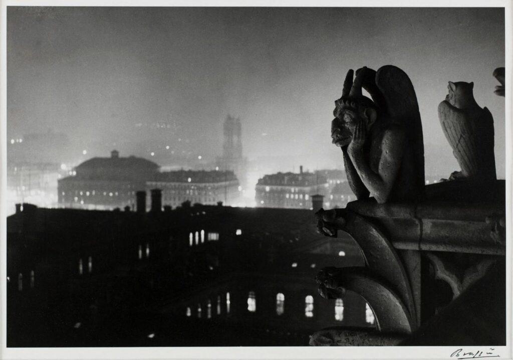Gyula Halász dit Brassaï (1899-1984), Vue nocturne de Notre-Dame sur Paris et la tour Saint-Jacques, 1933