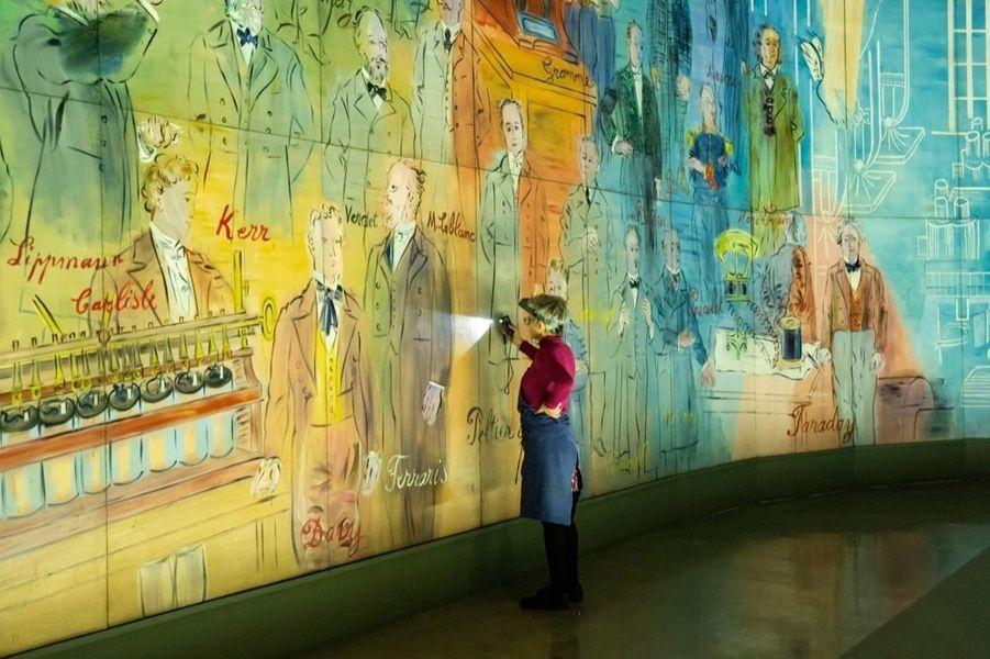 Restauration de la Fée Electricité par Cécile Des Cloizeaux au musée d'Art moderne de Paris