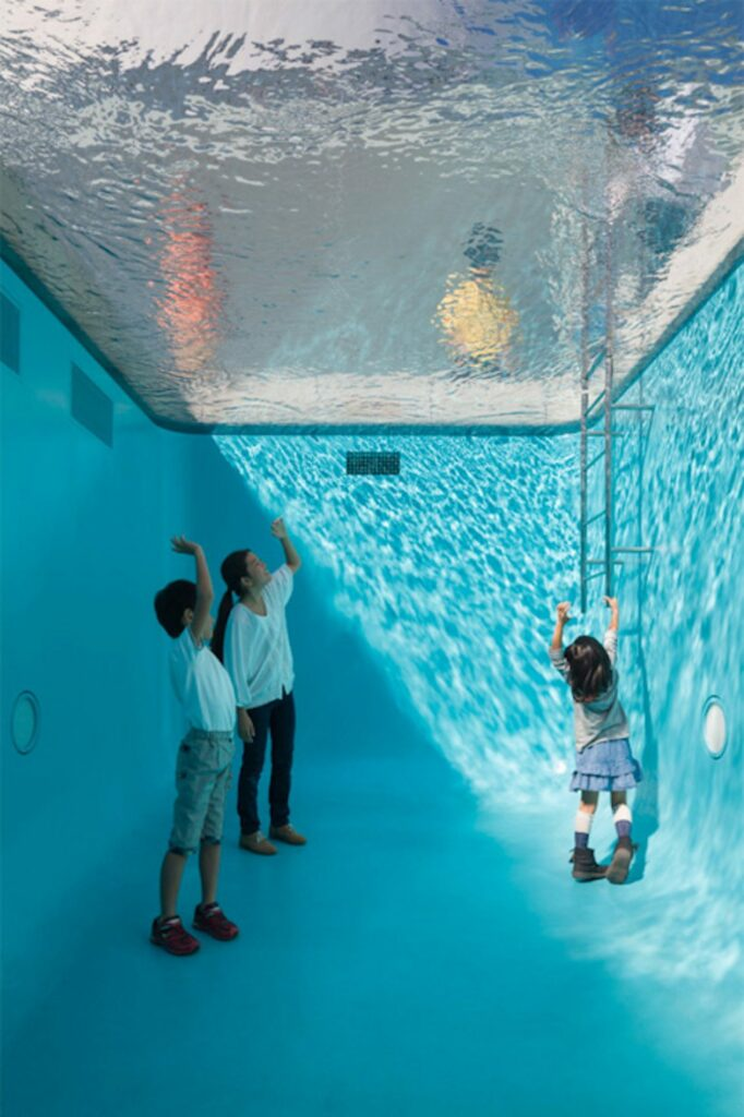 Leandro Erlich, The Swimming Pool
