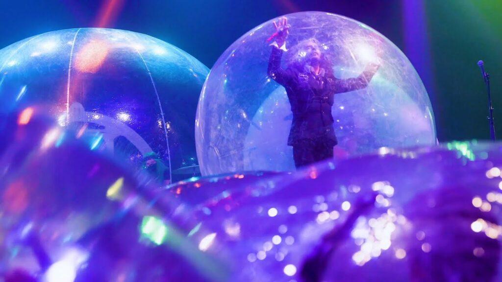 Aperçu du concert des Flaming Lips dans des bulles géantes