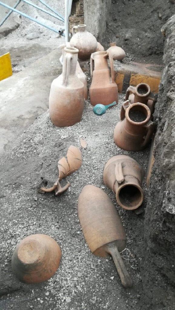 Jarres (dolia) utilisées pour stocker des aliments