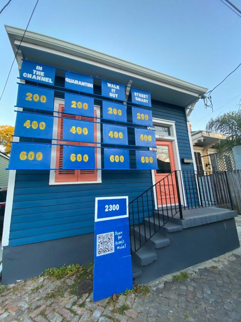 Maison décorée en référence au jeu télévisé Jeopardy