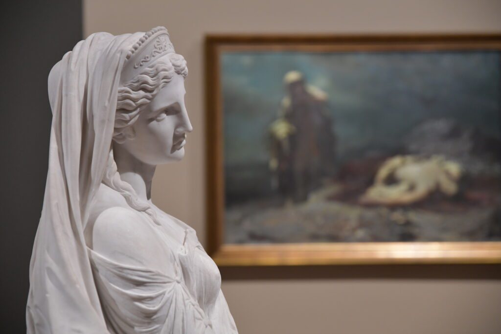 Vue de l'exposition Paris-Athènes, Musée du Louvre
