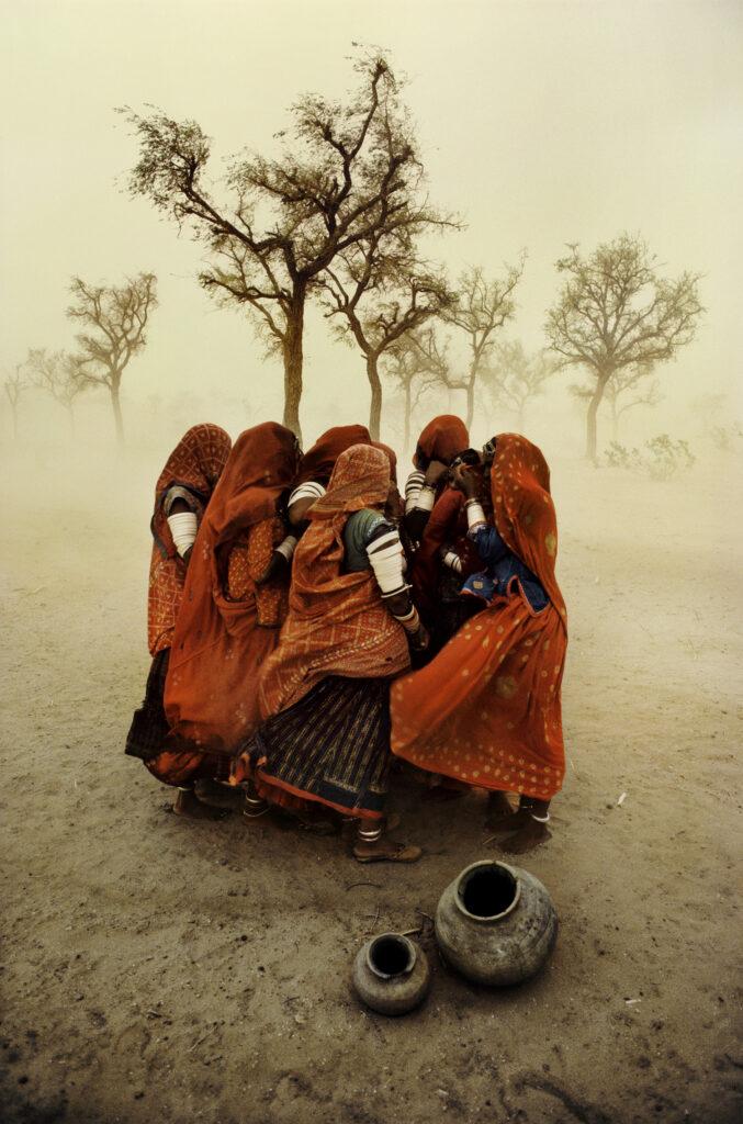 Steve McCurry, Dust Storm. India, 1983