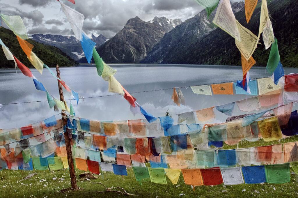 Steve McCurry, Tibetan Flags, 2005