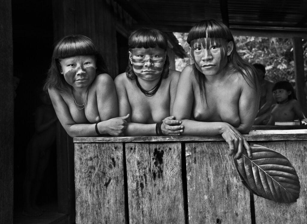 Sebastiao Salgado, Indiennes Zuruahã (État d'Amazonas, Brésil), 2017