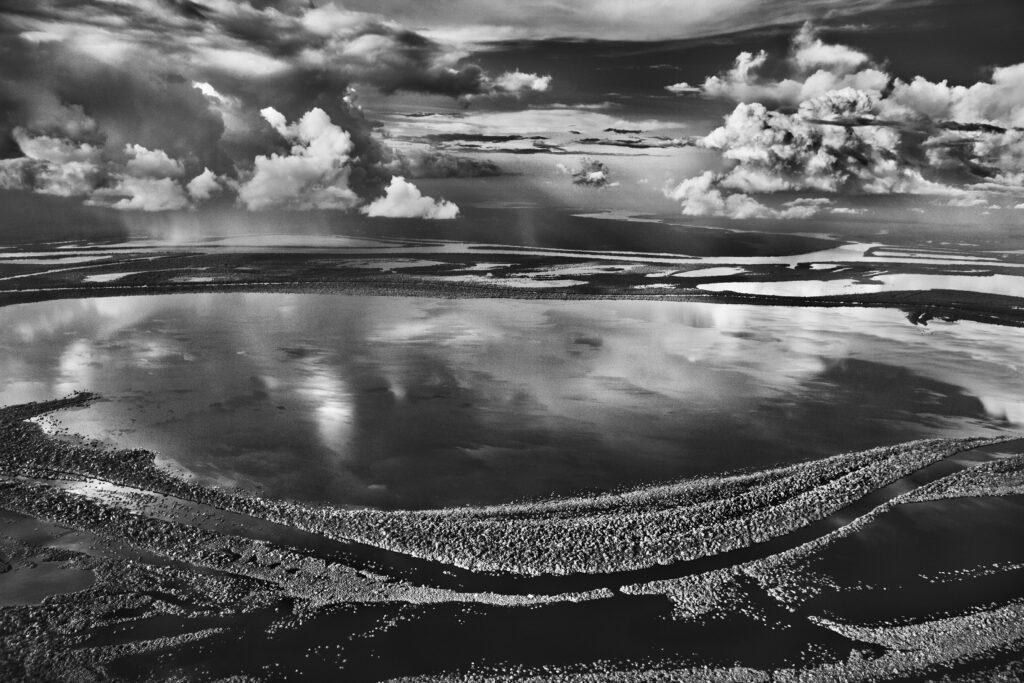 Sebastiao Salgado, Les Anavilhanas, îles boisées du Río Negro (Etat d'Amazonas, Brésil) 2009
