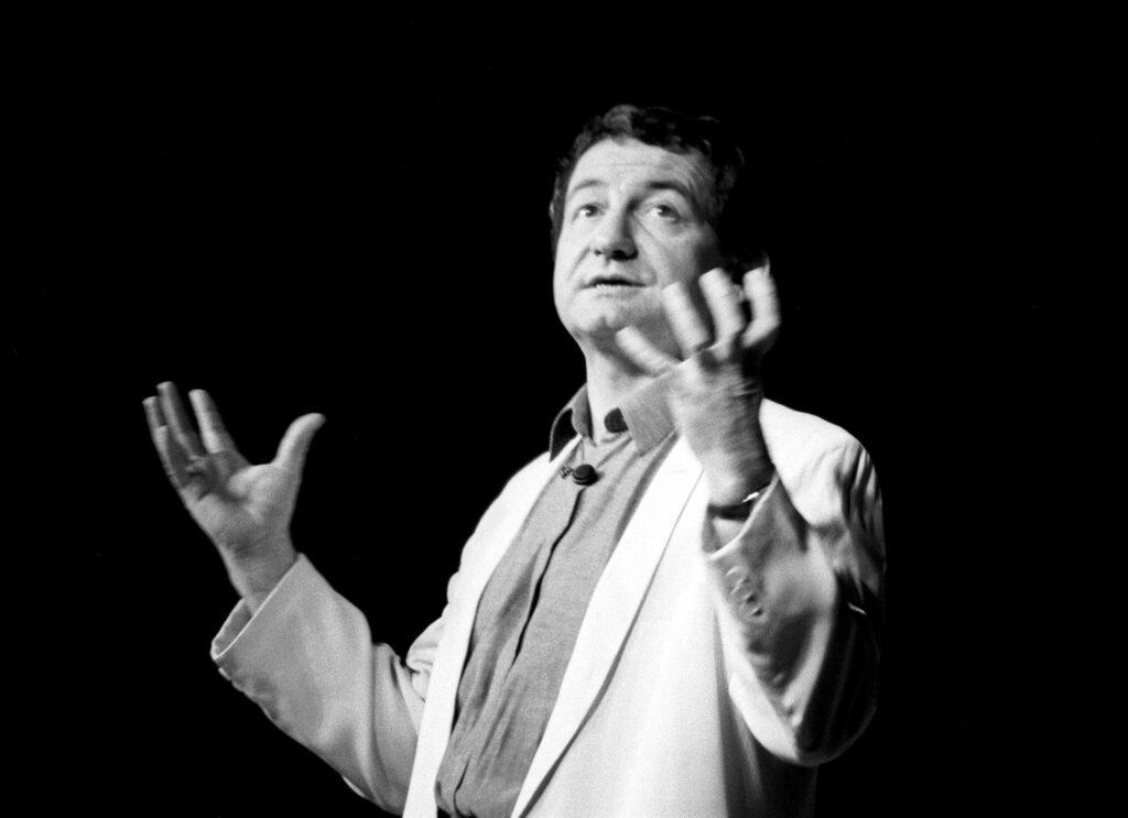 Pierre Desproges sur scène, 1985