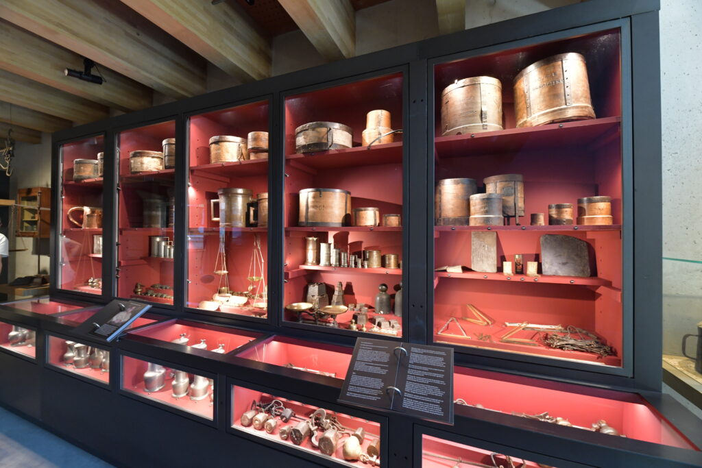 Vue des collections permanentes de Maison Rouge