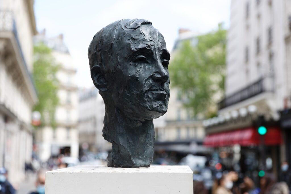 Inauguration du buste de Charles Aznavour