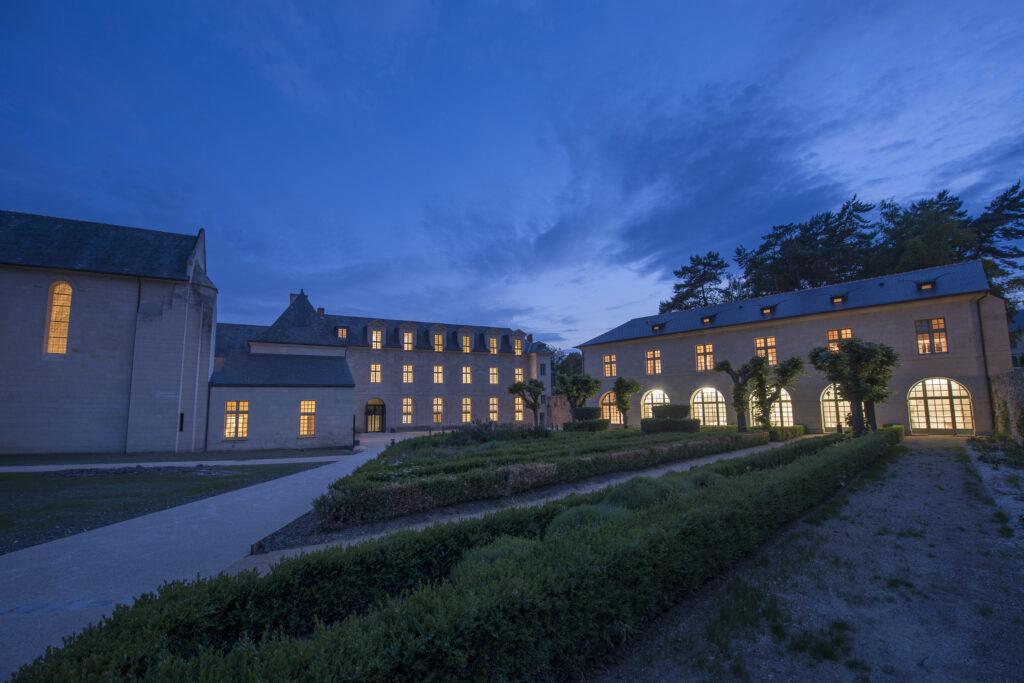 L'Hotel, la nuit