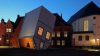 JF FOURTOU_Maison à l'envers, Fantastic, Lille 3000, 2012_Photo maxime dufour (2)(1)
