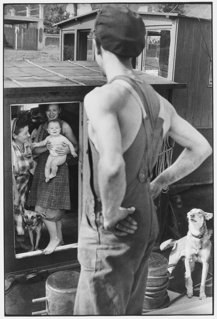 Le Grand Jeu, Henri Cartier-Bresson, Bougival, 1956