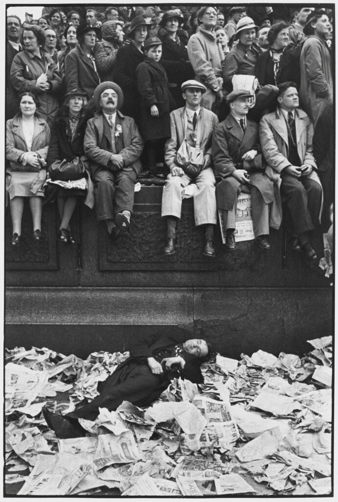 Le Grand Jeu, Henri Cartier-Bresson, Couronnement de George VI, 12 mai 1937