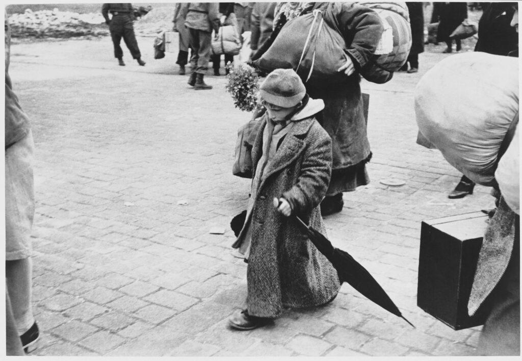 Le Grand Jeu, Henri Cartier-Bresson, Dessau, Allemagne, mai-juin 1945