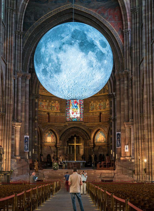Luke Jerram, Museum of the Moon, 2021