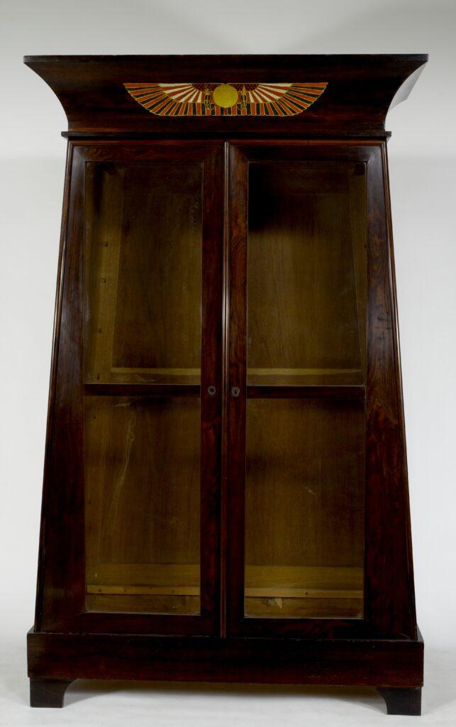 Armoire bibliothèque de style retour d'Égypte, vers 1820