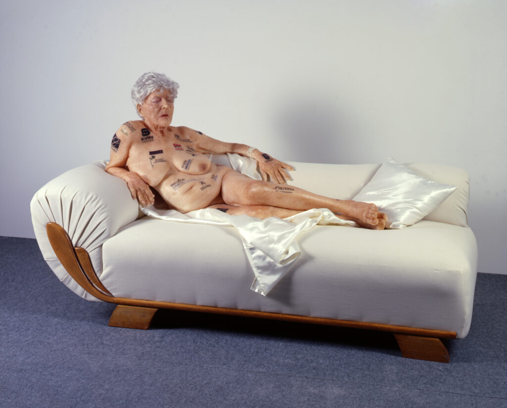 Gilles Barbier, Vieille femme aux tatouages, 2002