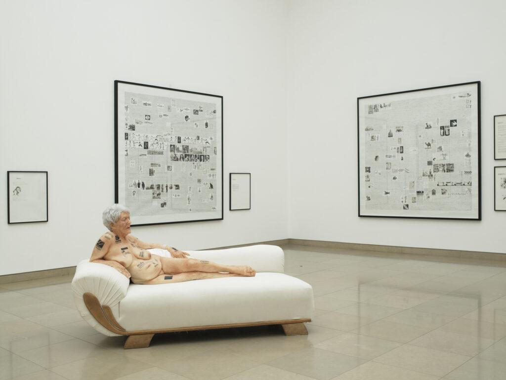 Gilles Barbier, Vieille femme aux tatouages, 2006