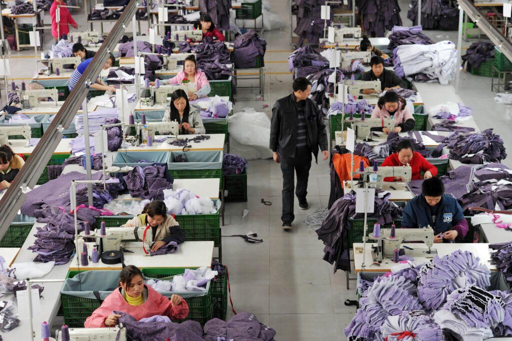 Usine de textiles à Chongqing, Chine