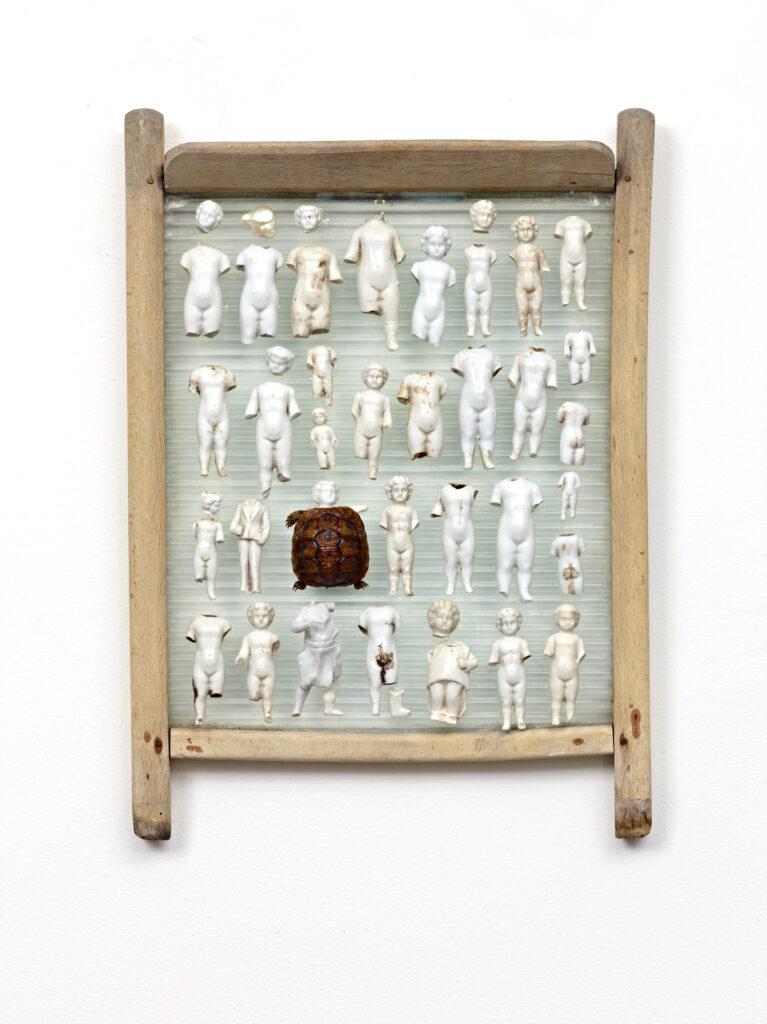 Daniel Spoerri, Die Ausnahme (l'exception), 2012
