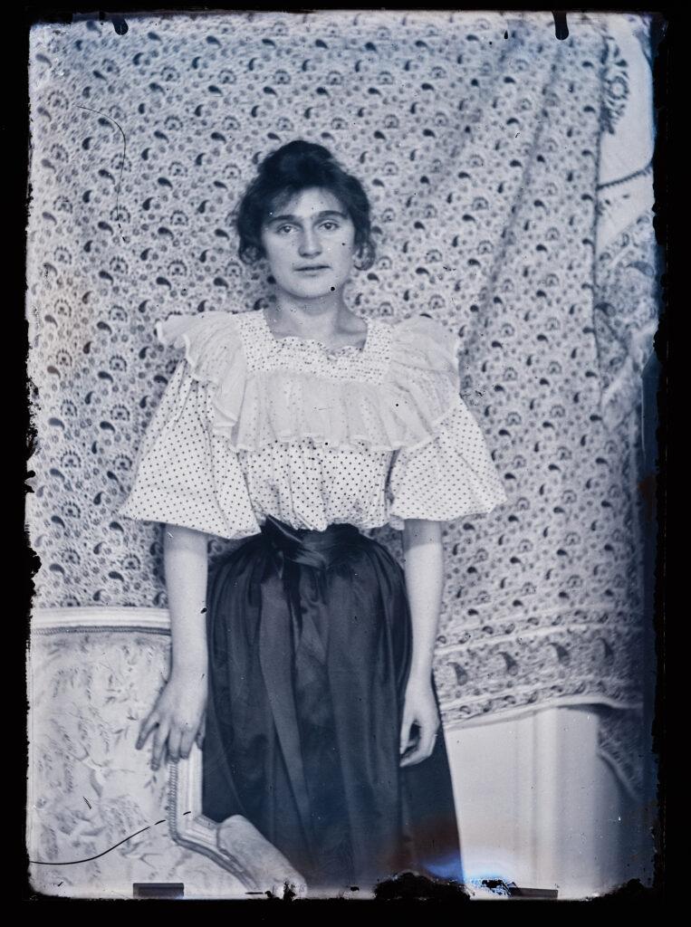 Portrait de Julie Manet, photographi inédite