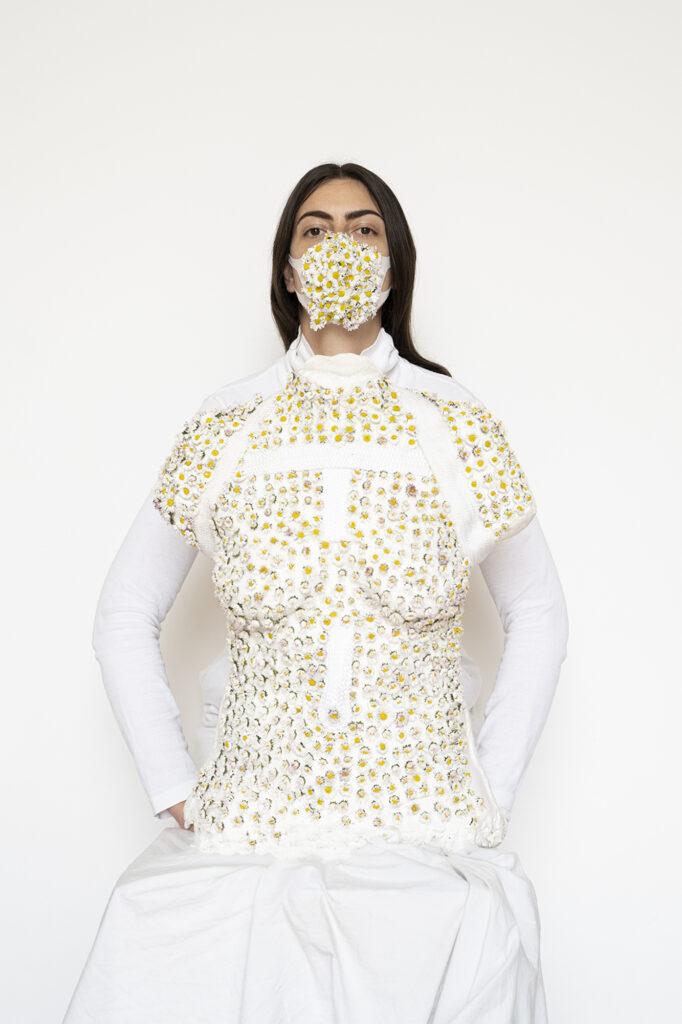 Jeanne Vicérial, Pandémie de fleurs, Quarantaine vestimentaire - Le Masque « Boccata di fiori » « bouchée de fleurs » - Jour 4/40