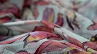 Exposition Les coulisses de la haute couture à Lyon Yves Saint Laurent au musée Yves Saint Laurent - Robe de soir (détail), collection haute couture printemps-été 1996
