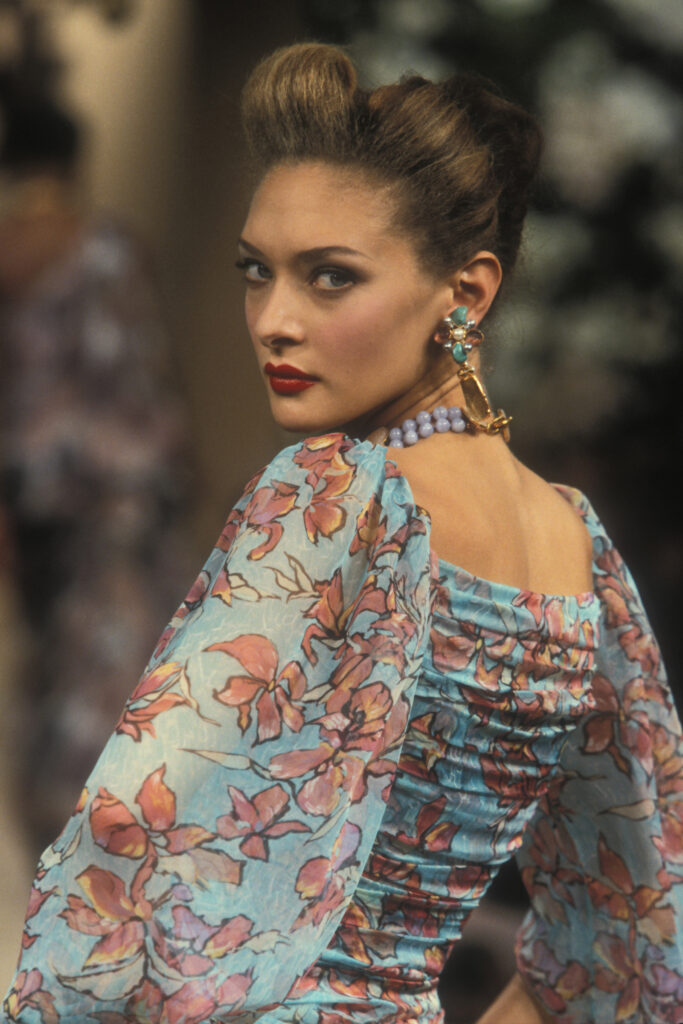Robe de soir portée par Christelle Lefranc, collection haute couture printemps-été 1996