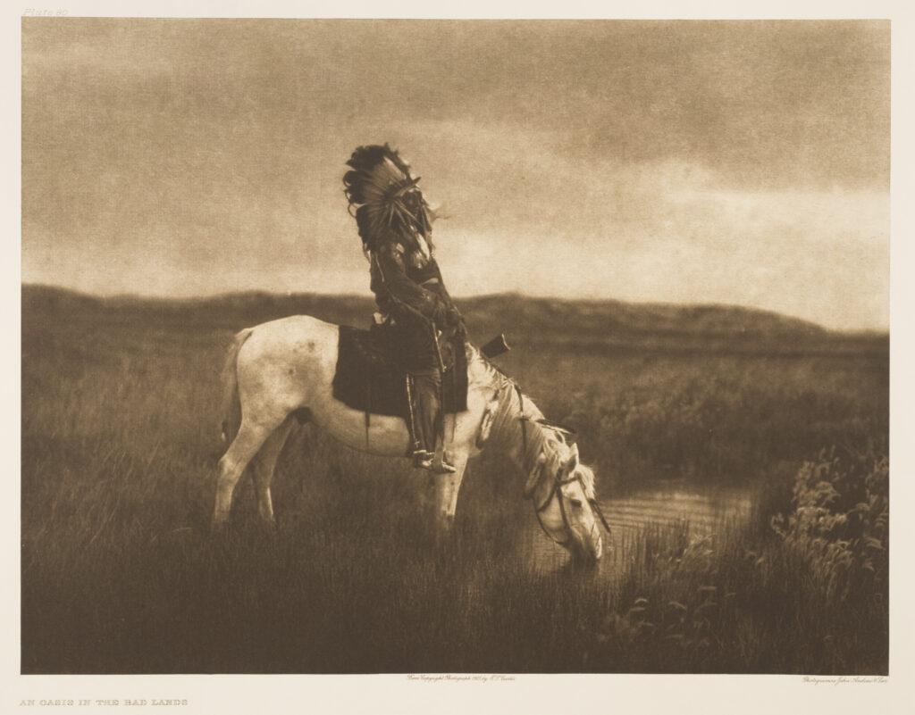 Sur la piste des Sioux, A war chief, Nez Percé, avant le 1er janvier 1915, Edward Sheriff Curtis (1868-1952) Héliogravure