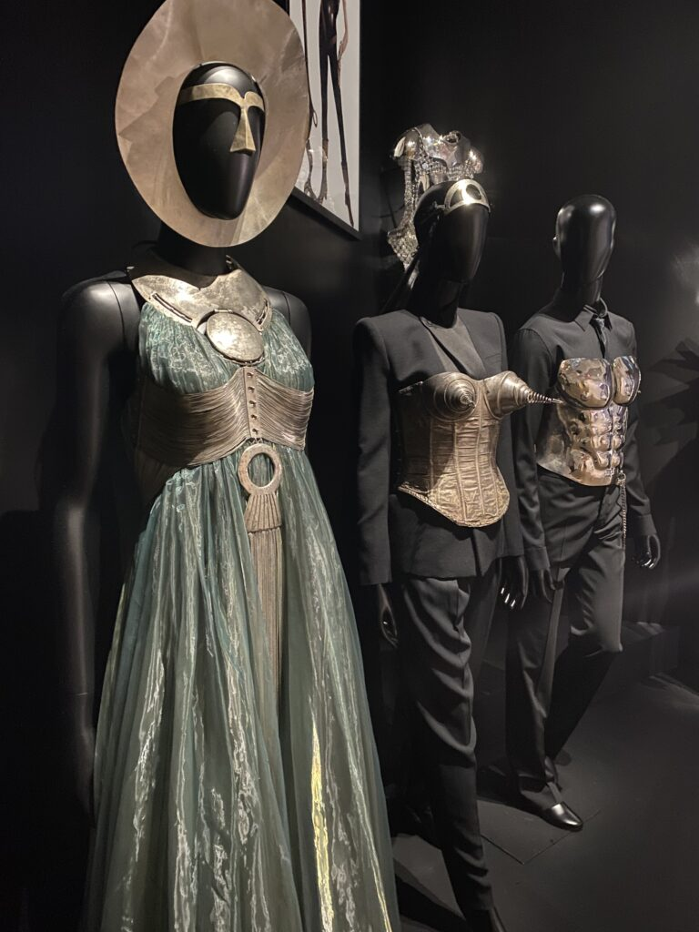 Vue de l'exposition Cinémode, Jean Paul Gaultier, Cinémathèque (13)