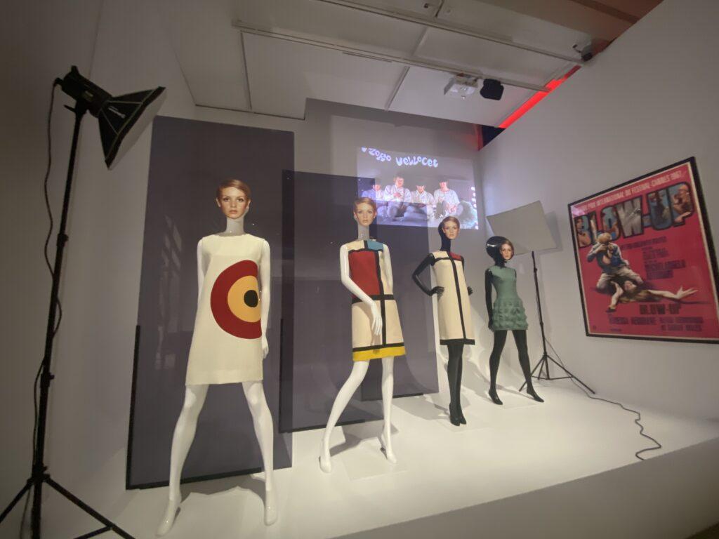 Vue de l'exposition Cinémode, Jean Paul Gaultier, Cinémathèque (16)