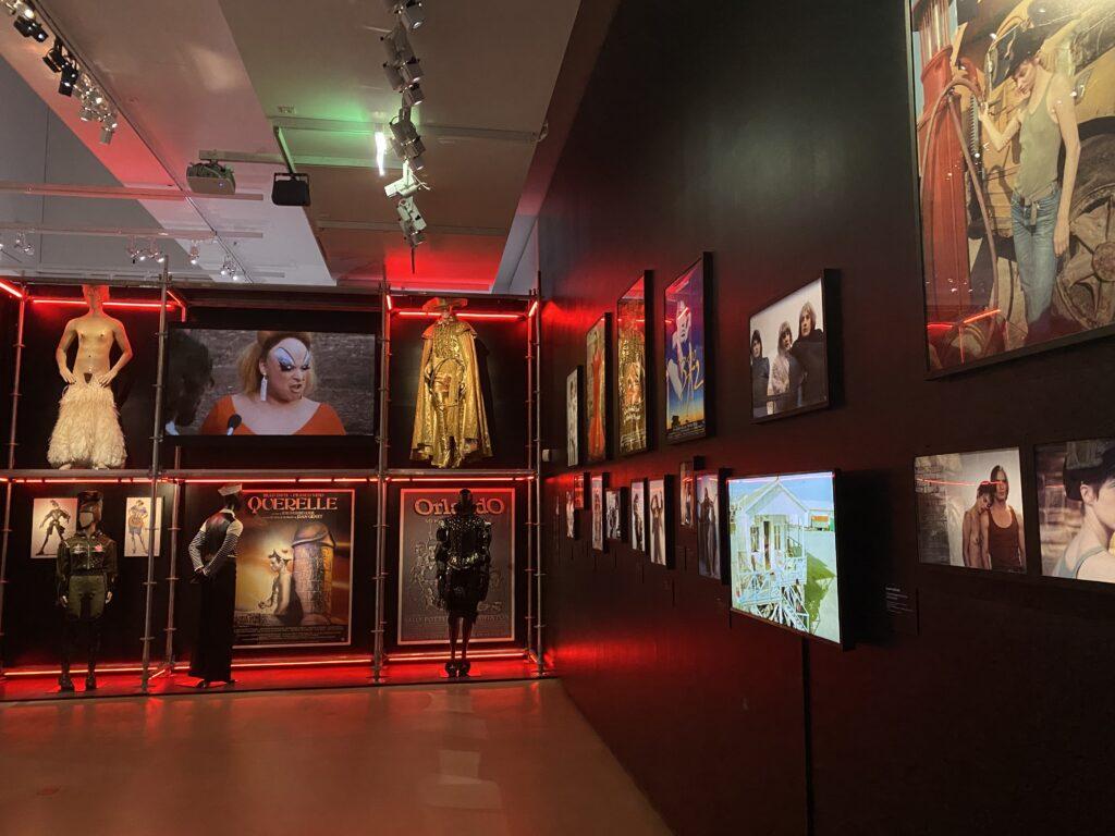 Vue de l'exposition Cinémode, Jean Paul Gaultier, Cinémathèque (6)