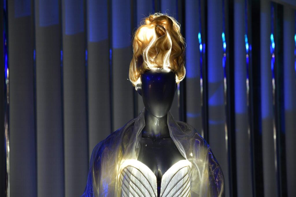 Vue de l'exposition Couturissime, Thierry Mugler, Musée des Arts Décoratifs