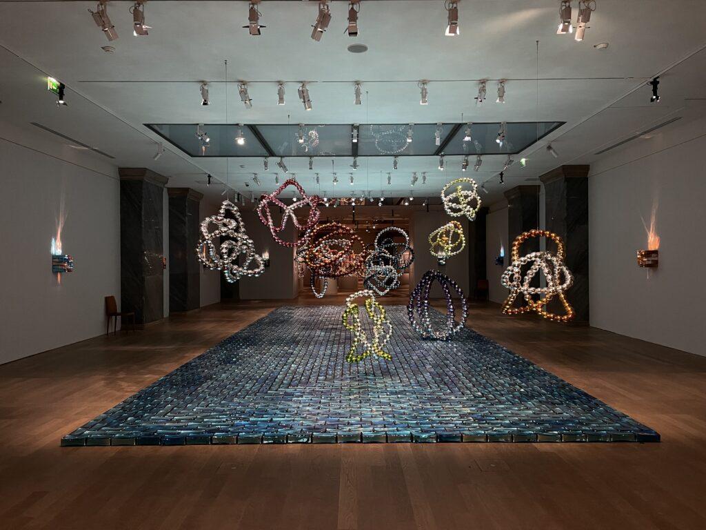Vue de l'exposition le Théorème de Narcisse, Jean-Michel Othoniel, Petit Palais